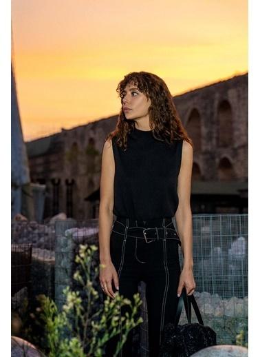 Silk and Cashmere & More Edelina Modal ve Pamuklu Yüksek Yaka Kolsuz Triko Siyah